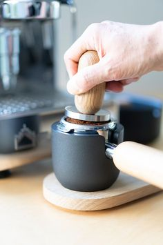 sinonimo handcrafts 'toolset' to enrich the ritual of espresso-making Espresso At Home, Home Espresso Machine, Espresso Maker, Espresso Coffee, Coffee Machine, Coffee Tamper, Coffee Truck, Coffee Accessories, Fresh Coffee
