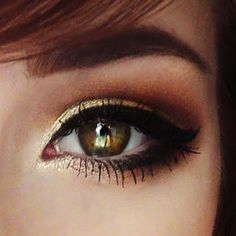 Eye Makeup Tips.Smokey Eye Makeup Tips - For a Catchy and Impressive Look Hazel Eye Makeup, Hazel Eyes, Love Makeup, Skin Makeup, Makeup Inspo, Makeup Inspiration, Makeup Tips, Makeup Looks, Simple Makeup