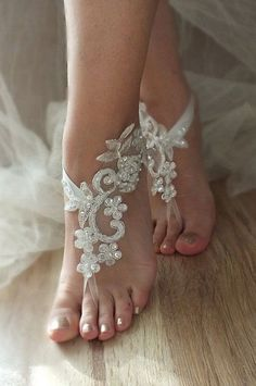 beach wedding barefoot sandals ivory lace sandals by LadyVIVIENN Barefoot Sandals Wedding, Barefoot Beach, Walking Barefoot, Going Barefoot, Beach Anklets, Beach Shoes, Beach Sandals, Beach Feet, Shoes Sandals