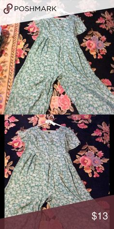 Vtg Green and white palazzo jumpsuit Cute print in green and white comfy fit this palazzo jumpsuit another find in my attic Vintage Dresses Maxi