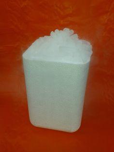 #sprzedażsuchegolodu #zestawsuchegolodu Gotowy zestaw zwierający 3 kg granulatu suchego lodu fi 16 mm oraz opakowanie Styrobox. Cena zestawu zawiera  suchy lód fi 16 mm, opakowanie styropianowe Styrobox. http://suchylod.net/suchy-lod-zestaw-i-3-kg-granulat-fi-16-mm-styrobox-p-221.html