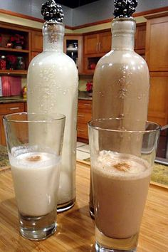 Chocolate coquito use regular recipe but melt dark chocolate chips in warm condensed milk then proceed as normal- unbelievably awesome Holiday Drinks, Fun Drinks, Yummy Drinks, Holiday Recipes, Beverages, Yummy Food, Puerto Rican Dishes, Puerto Rican Cuisine, Puerto Rican Recipes