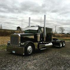 Old Ford Trucks, Big Rig Trucks, Diesel Trucks, Semi Trucks, Cool Trucks, Pickup Trucks, Custom Big Rigs, Custom Trucks, Freightliner Trucks