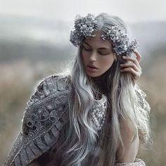 """10.2 mil curtidas, 59 comentários - A.M Lorek (@agnieszka_lorek) no Instagram: """"My fantasy image with @magda.andruszkiewicz model✨again in dress from @agnieszkaosipa…"""""""