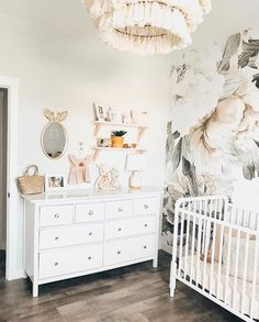 Today we are sharing 44 Space Saving Hacks for a Stylish Nursery Design. With these smart small nursery design ideas, you'll be able to maximize the space in your baby's nursery, organize your baby's room and create a beautiful space just for baby. Baby Girl Nursery Decor, Baby Bedroom, Nursery Design, Baby Room Decor, Nursery Room, Girls Bedroom, Nursery Ideas, Blush Nursery, Nursery Murals