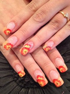 One stroke freehand nail art