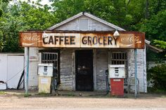 old gas stations | 2337-old-gas-station-natchez-trace-mississippi