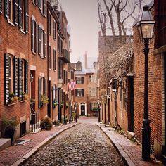 Beacon Hill, Boston. Photo courtesy of jplotzster on Instagram.
