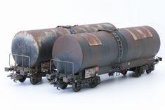 Patine d'un wagon calorifugé REE | SMCF Train Info, Weather Models, Train Layouts, Kit Cars, Model Homes, Diorama, Rust, Modeling, Miniatures
