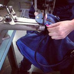 https://flic.kr/p/GfbFLp | #workinprogress #bags #sac #borsa #madeinitaly #florence #blu #pelle #leader #unisex