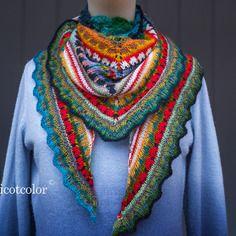 """Châle femme tricoté et crocheté main """" chalenge """""""
