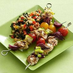 Spicy Chicken Kabobs With Vegetable Rice - Diabetic - olive oil - lemon juice - crushed red pepper- thyme - zucchini - chicken - red onion - red or yellow cherry tomatoes - red sweet pepper - garlic - kale - chicken broth - Cajun seasoning - brown rice Skewer Recipes, Kale Recipes, Chicken Recipes, Healthy Recipes, Diabetic Recipes, Diabetic Foods, Healthy Dinners, Healthy Chicken, Healthy Habits
