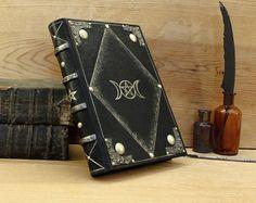 Diario de cuero de estilo medieval Jewelled libro con por TeoStudio