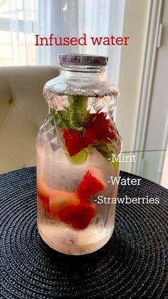 Healthy Water, Healthy Detox, Healthy Juices, Healthy Smoothies, Healthy Drinks, Healthy Food, Vegetarian Food, Healthy Eating, Infused Water Recipes