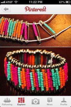 DIY. Safety pin bracelet.