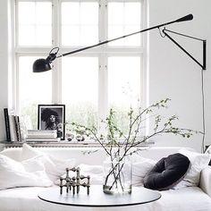 Minimalist Bedroom Bed Loft minimalist home living room interiors.White Minimalist Bedroom Storage minimalist home living room interiors. Minimalist Interior, Minimalist Bedroom, Minimalist Decor, Modern Minimalist, Home Interior, Interior Architecture, Modern Interior, Flos 265, Kitchen Ikea