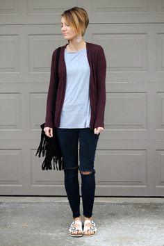 ONE little MOMMA: Everyday Slouch. Slouchy tee, marsala cardigan, black skinny jeans, fringe purse