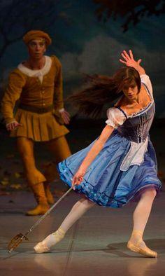 Polina Semionova in Giselle's mad scene, the Mikhailovsky Ballet.
