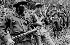Zapatistas en la Selva Lacandona, 1994 - foto por Raúl Ortega