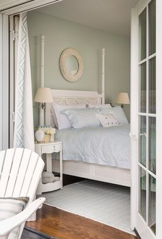 Rhode Island Beach Cottage with Coastal Interiors - Home Bunch - An Interior Design & Luxury Homes Blog