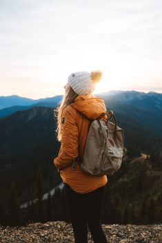 Olympic National Park Adventure Getaway 24 Hour Itinerary from Seattle Renee Roaming Hurricane Ridge Sunrise 4 Adventure Outfit, Adventure Travel, Seattle, Granola Girl, Poses Photo, Wanderlust, Hiking Shoes, Hiking Outfits, Sport Outfits