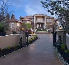 I love the style of this house! Gorgeous!