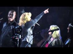 Trisha Yearwood sings How Do I Live in Greensboro, NC on Nov 2014 How Do I Live, My Live, Trisha Yearwood, Garth Brooks, Singing, Southern, Concert, Kitchen, Youtube