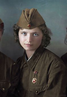 world war i history magazine Russian Fighter, Combat Medic, Victory Parade, History Magazine, Soviet Army, Military Women, Ww2 Women, Female Soldier, Red Army