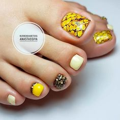 Beautiful Nail Designs with Rhinestones picture 1