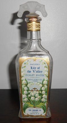 1915 Bacorn's Lily Of The Valley Toilet Water - Perfume Bottle - Elmira N. Makeup Vintage, Perfumes Vintage, Antique Perfume Bottles, Vintage Bottles, Vintage Labels, Divine Parfum, Beautiful Perfume, Bottle Vase, Lily Of The Valley