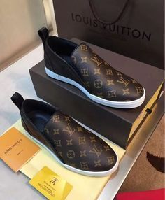 52 Fall Winter Shoes To Rock This Summer - New Shoes Styles & Design Winter Shoes # Lovely Fall Winter Shoes Hot Shoes, Men's Shoes, Shoe Boots, Tenis Casual, Casual Shoes, Zapatillas Louis Vuitton, Fall Winter Shoes, Summer Winter, Summer Shoes