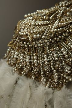 Embroidery Fashion Haute Couture Alexander Mcqueen 43 New Ideas Alexander Mcqueen, Alex Mcqueen, Couture Embroidery, Beaded Embroidery, Embroidery Fashion, Couture Details, Fashion Details, Amarillis, Lesage