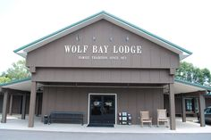 Wolf Bay Lodge Foley, Alabama    good value and good seafood