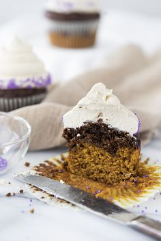 Pumpkin Chocolate Espresso Cupcakes - The Sugar Coated Cottage Espresso Cupcakes, Espresso Cake, Chocolate Espresso, Sweet Cupcakes, Pumpkin Cupcakes, Cottage Meals, Cupcake In A Cup, How To Make Pumpkin, Cinnamon Coffee