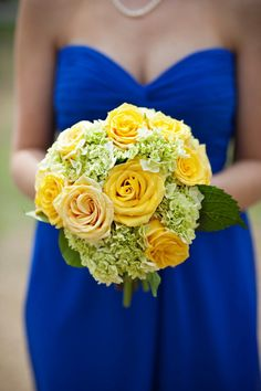 Sunny Yellow Bouquet|Photo by: rootweddings.com
