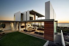 Pearl Bay Residence by Gavin Maddock Design Studio - Cape Town/ South Africa