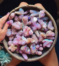 IG credits to effectofsublime uploaded by jade ☆ gummy Crystal Magic, Crystal Healing, Crystal Room, Crystal Decor, Crystals And Gemstones, Stones And Crystals, Goddess Provisions, Crystal Aesthetic, Spirit Quartz