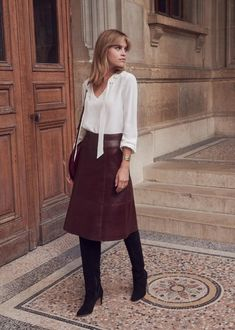 Best Fall Fashion Trends For Women - Fashion Trends Fashion Mode, Fall Fashion Outfits, Fall Fashion Trends, Work Fashion, Skirt Fashion, Latest Fashion Trends, Winter Fashion, Fall Fashions, Fashion Clothes