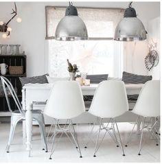 voorral de stoelen en lampen zijn echt top!