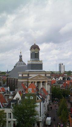 Leiden, Hartebrugkerk van bovenaf gezien. The Netherlands