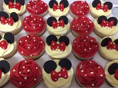 Minnie Mouse cupcakes I love the original red instead of pink. For a Vintage Minnie Mouse party:):