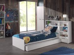 łóżko dziecięce z półkami - Sofie http://dladziecka-net.pl/