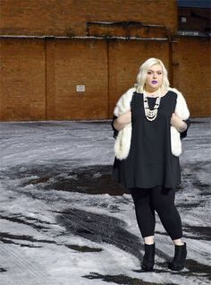Nancy in our Bell Sleeve Tunic! http://www.thecurvefashion.com/ http://www.sugar-darling.com/ #fbloggers #plussize #fashion #clothing #fashionblogger #style
