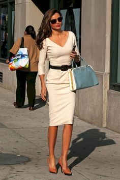 Nice 43 Classy Business Casual for Women Style Inspiration http://inspinre.com/2018/07/13/43-classy-business-casual-for-women-style-inspiration/