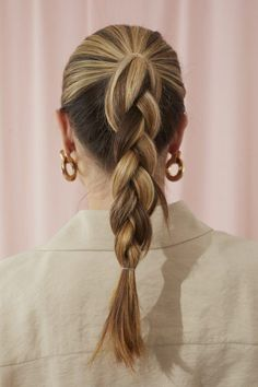 45 Quick and Easy Hairstyles You Can Do In Minutes