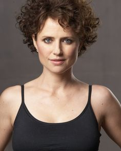Jean Louisa Kelly - I love her short curly hair!