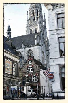 Is de ontwerpvisie Breda2030 goed genoeg om ter visie te leggen? Op een steenworp afstand van onze mooie kerk is dat vanavond onderwerp van gesprek in de Bredase gemeenteraad.