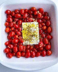 Roasted Tomato Pasta, Tomato Pasta Recipe, Oven Roasted Tomatoes, Feta Pasta, Pasta Recipes, New Recipes, Vegetarian Recipes, Cooking Recipes, Healthy Recipes