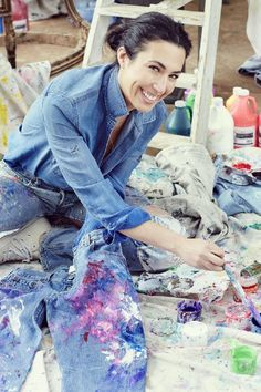 Afflicted with an extremely painful autoimmune disease, Erin Feniger discovered that painting was therapeutic. To share this benefit with others, she started a non-profit business (the Rialto Jean Project) selling her hand-painted vintage jeans (featured in Vogue and more) to fund art therapy programs in Children's hospitals. WOW.