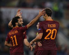 Federico Fazio with his teammates of AS Roma celebrates after scoring the team's second goal during the UEFA Europa League match between AS Roma and FC Astra Giurgiu at Olimpico Stadium on September 29, 2016 in Rome.